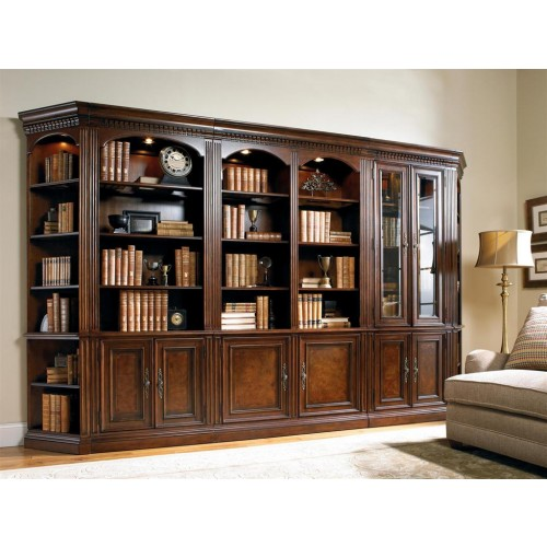 Книжный шкаф из коллекции European Renaissane  II, Hooker Furniture